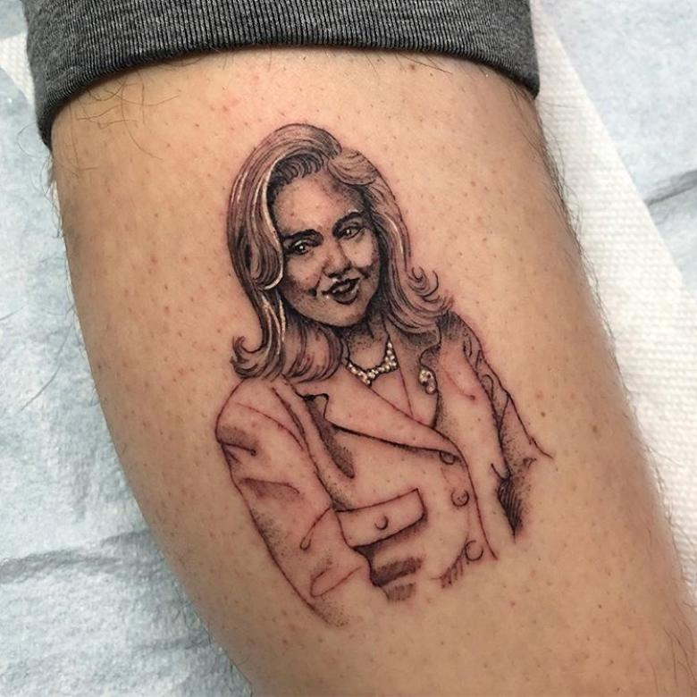 'Seriously, I'm Honored': Clinton Praises SNL Star Who Got Tattoo Of Her as 'Gift'